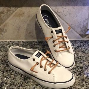 SPERRY TOP SIDERS PIER VIEW WHITE Sz 7 M NEW